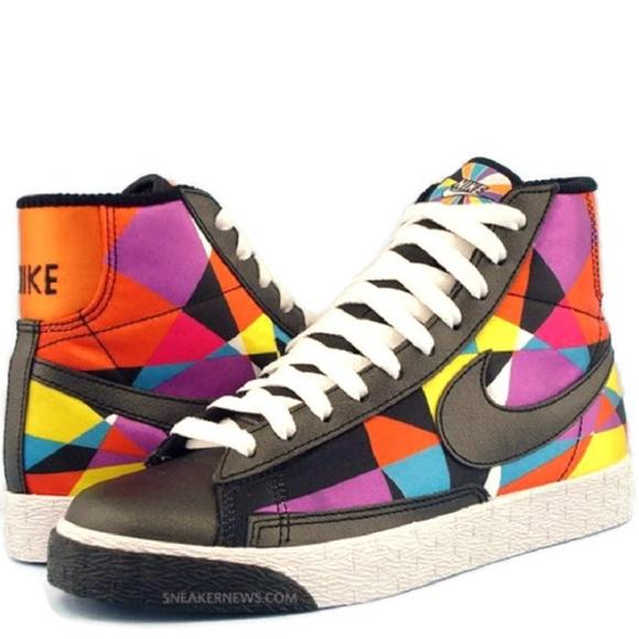 Nike Womens Blazer Mid Multicolor Rare